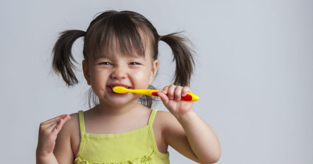 teaching_children_the_best_dental_habits